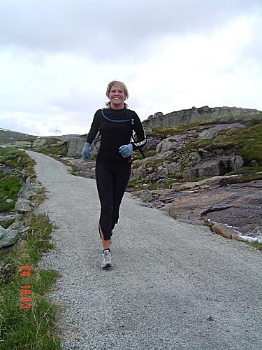 Nina+Annette+Hongseth+fullf%F8rte+Rallarvegsl%F8pet+i+fin+stil+i+2004.+%28Foto%3A+Inger+H%F8yer-Dahl%29+