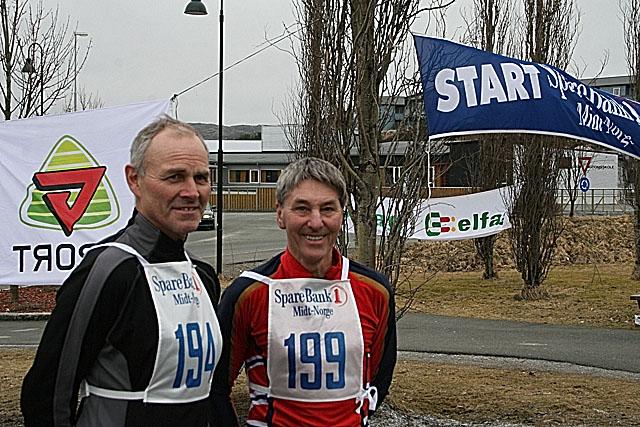Ole+Forren+og+Tormod+Hansen+er+klare+til+%E5+l%F8pe+inn+sine+medlemskap+i+100+Klubben+%28100+Maraton%29