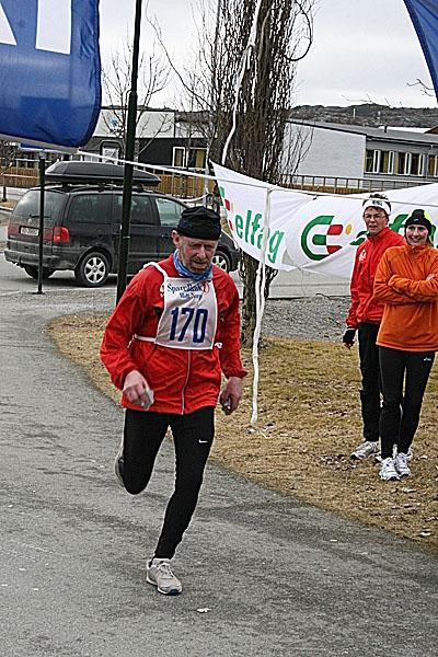 Steinar+Eriksen+vinner+halvmaraton+p%E5+tiden+1.41.09%2C+i+kl.+60+-+64+%E5r.+