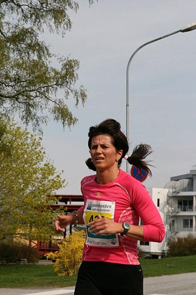 Anita+Stenevik+vann+totalsiger+i+5+km+p%E5+20%3A31.+Anita+spring+i+kl.+40+-+49+%E5r+for+Flor%F8+Turn+%26+IF+Flor%F8.