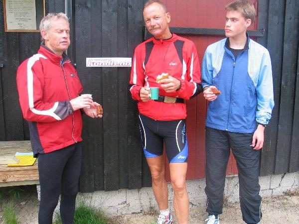 Tre+av+de+fire+beste+i+ukas+G%E5-jogg+%28fra+venstre%29%3A+Eneren+Birger+Helstad%2C+fireren+Jan+Erik+Bakken+og+toeren+Rune+Bakken.