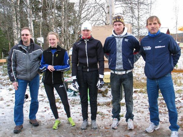 Alle+l%F8ypevinnere%2C+unntatt+Bj%F8rn+Tvedt%2C+i+Strandvoldbruas+Minnel%F8p+2007%3A+Fra+venstre+Runar+Pettersen%2C+Alexandra+Paladino%2C+Carina+Lagel%F8f%2C+Einar+Furulund+og+Rolf+Bakken.+Foto%3A+Kjell+Arild+Andersen.