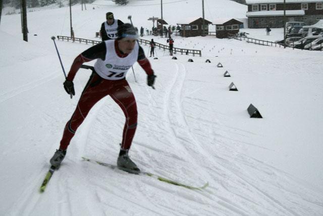 Lars+Ivar+K+B%E6kken+i+%5C%22siste+indre%5C%22+p%E5+Budor+Skistadion+med+Olav+Emilsen%2C+Nordbygda%2FL%F8ten+Ski+hakk+i+h%E6l.