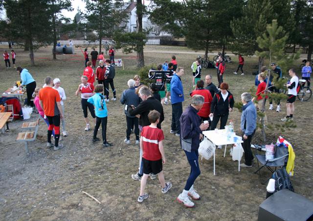 After-run+al%E1++G%E5-joggen+betyr+saft+og+boller+-+og+mye+oppbyggelig+konversasjon+de+kondisjonerende+i+mellom.+