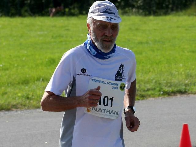Kjell+Birkeland+fra+IK+Grane+-+mannen+som+lager+de+fantastiske+flaskeskutene+-+l%F8p+48%2C103+km+og+fikk+for+det+s%F8lv+i+M70-74.+N%E5+mangler+han+bare+3+l%F8p+p%E5+200+maraton.