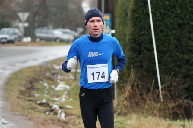 Morten+Tronb%F8l+halvveis+i+sitt+l%F8p+som+endte+med+en+fin+2.plass+totalt+og+seier+i+M35-39+p%E5+halvmaraton+%28foto%3A+Olav+Engen%29.
