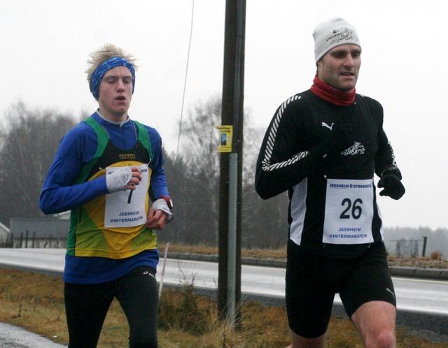 Kjetil+S%F8rum+fra+Stavern+Sport+%28foran%29+vant+10+kilometer+med+dr%F8yt+2+minutters+margin+til+arrang%F8rklubbens+Fredrik+Anthi+Svin%F8+%28foto%3A+Bj%F8rn+Hytjanstorp%29.